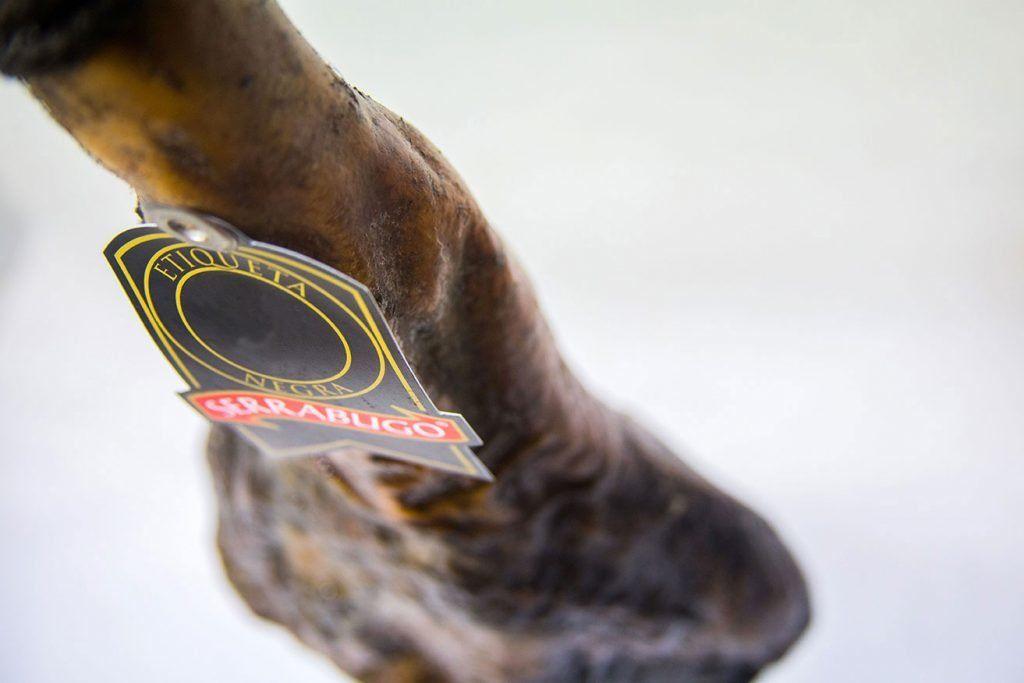 jamón etiqueta negra serrabugo